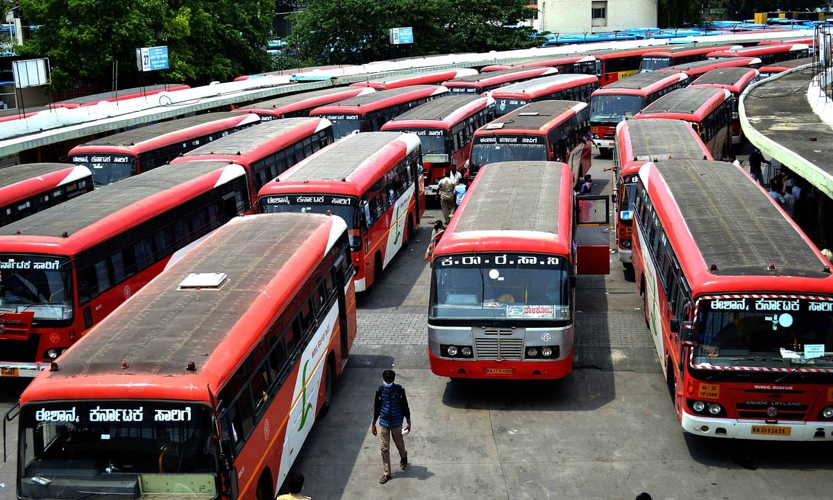 Karnataka: Migrant workers can hire buses to return to their home states