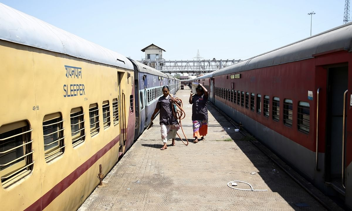 Need 400 trains to send back migrant labourers: Kerala CS