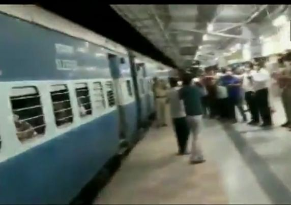 Special trains to be operated for movement of stranded persons during lockdown