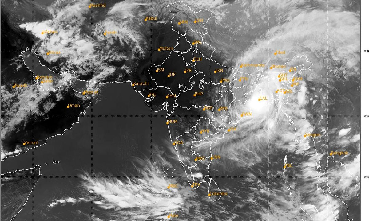 Cyclone Amphan hits Bengal, causes widespread damage in Odisha