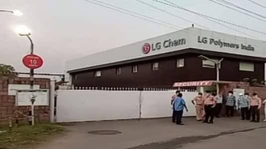 3 dead, 1000 fall ill after gas leak in Vizag chemical unit