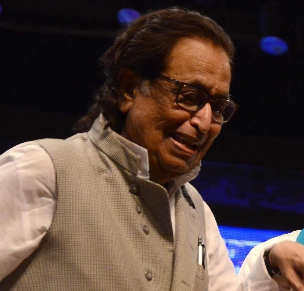 Bollywood lyricist Yogesh passes away at 77