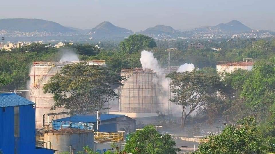 Vizag gas victims stage protest at plant with bodies of deceased