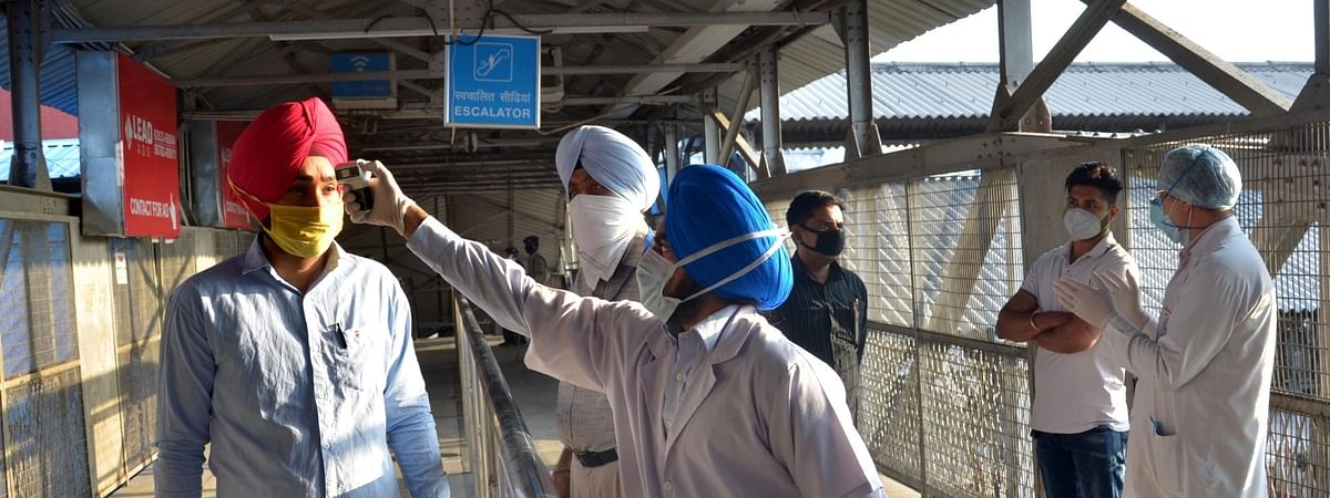 Passengers being screened for COVID-19 at the Amritsar Railway Station on the first day of the fifth phase of the nationwide lockdown imposed to mitigate the spread of coronavirus, on June 1, 2020.