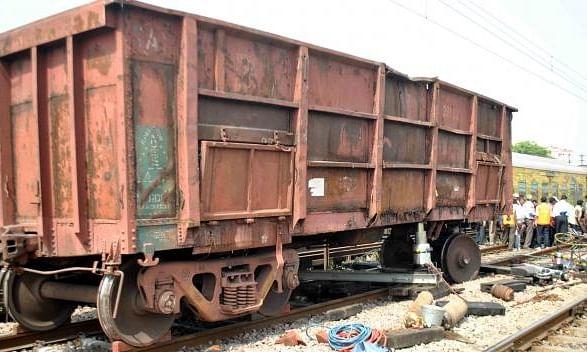 Goods train derails in Uttar Pradesh