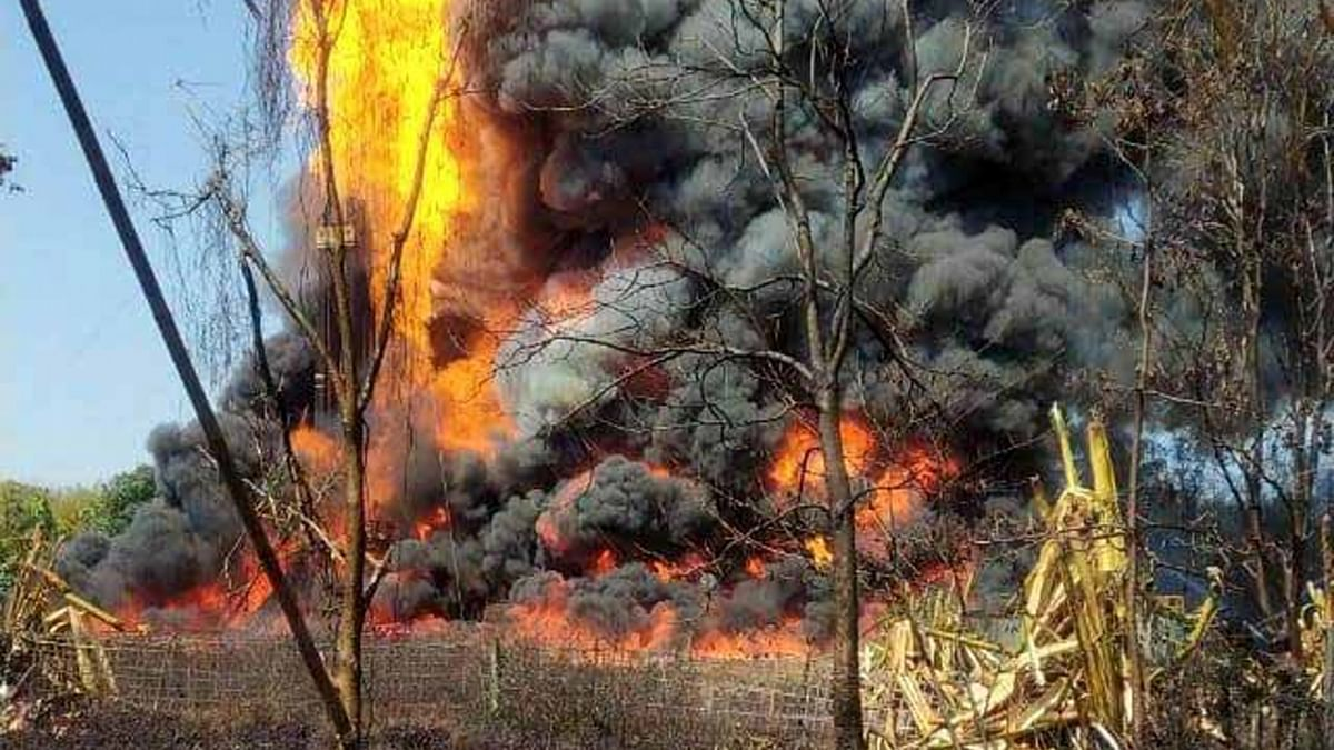 Two firefighters dead, one injured, many houses damaged as gas well fire rages in Assam