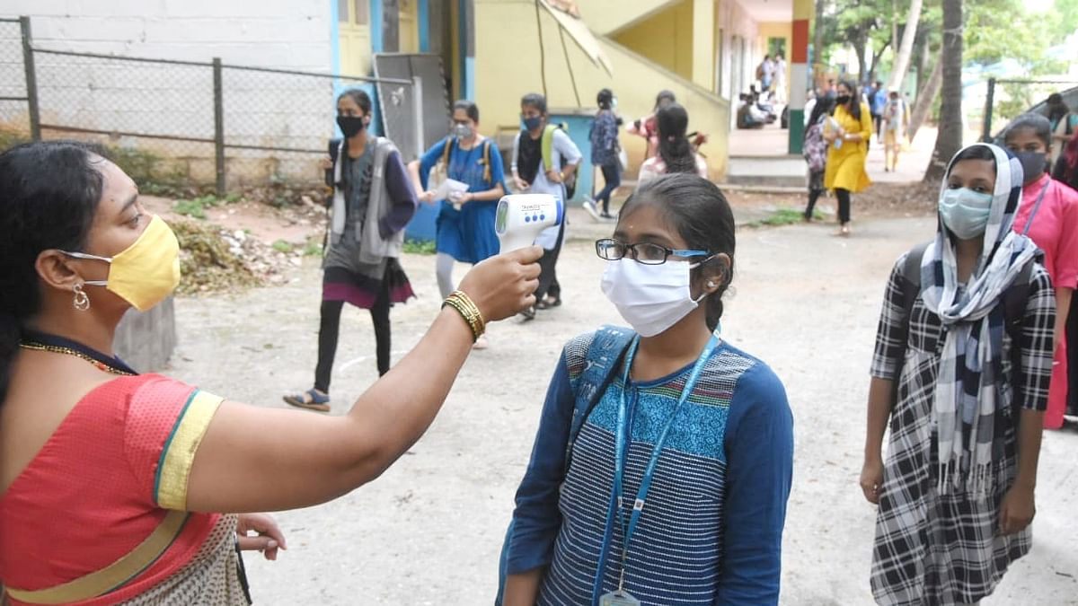India reports 375 more COVID deaths, new high of 14,516 cases of infection