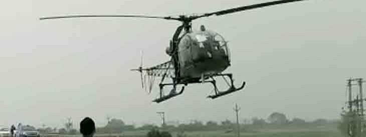 A Cheetah helicopter of the Indian Air Force making a precautionary landing on the Eastern Peripheral Expressway in Haryana, near Delhi, after it developed a technical snag, on June 26, 2020