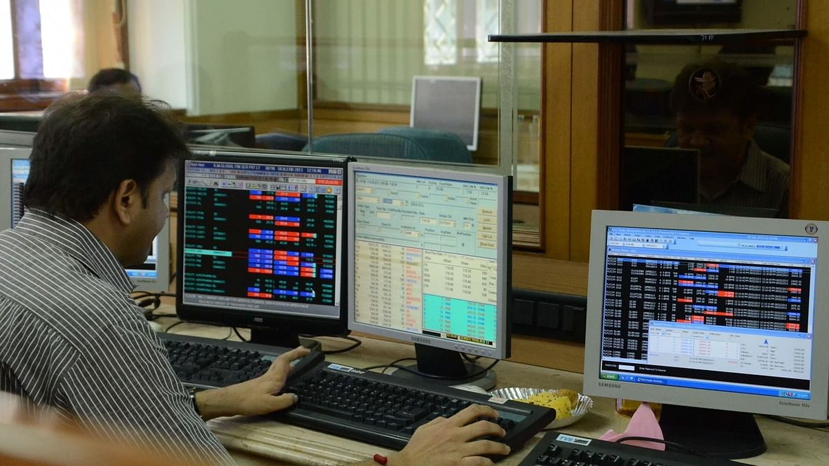 Equity indices fall, Sensex gives up 52K-mark