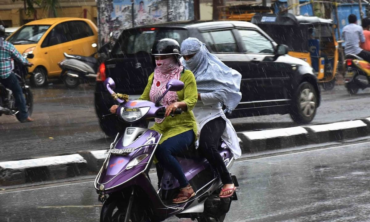 Heavy rain lashes Hyderabad, other Telangana districts