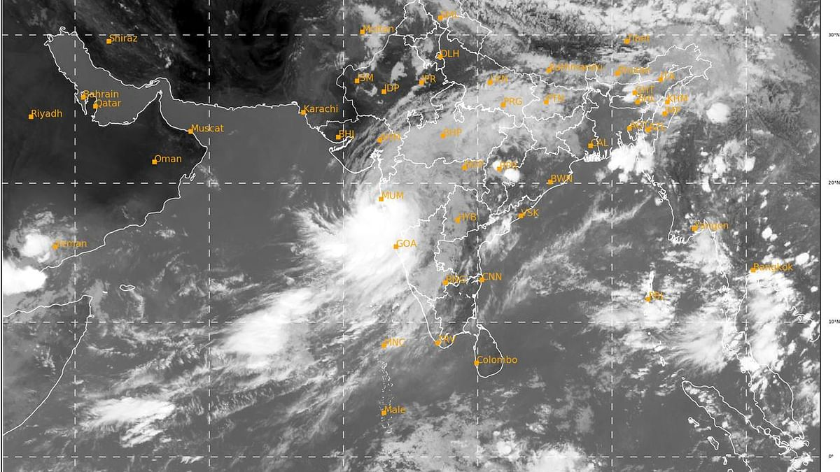 Maharashtra, Gujarat brace for cyclone Nisarga, expected to hit the coast on Wednesday afternoon