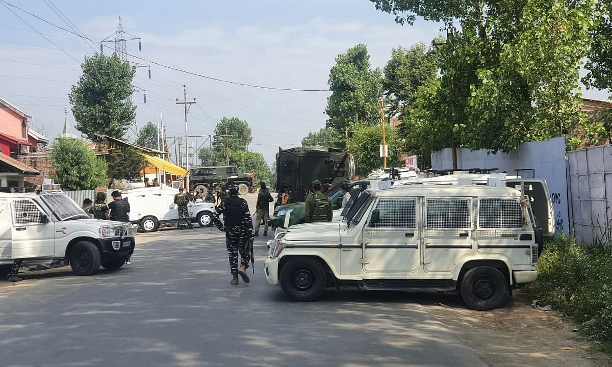 File photo of Army personnel launching a cordon and search operation after a terror attack in Sopore, Jammu & Kashmir on July 1, 2020.