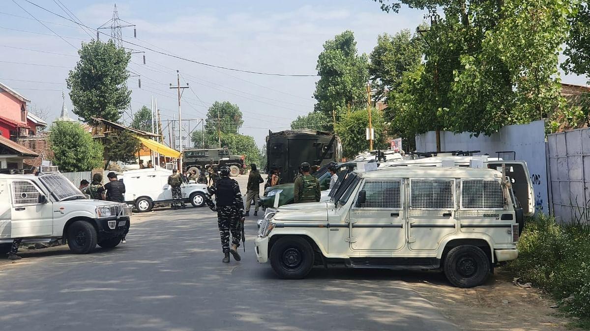 Councillor, policeman killed in LeT attack in J&K's Sopore