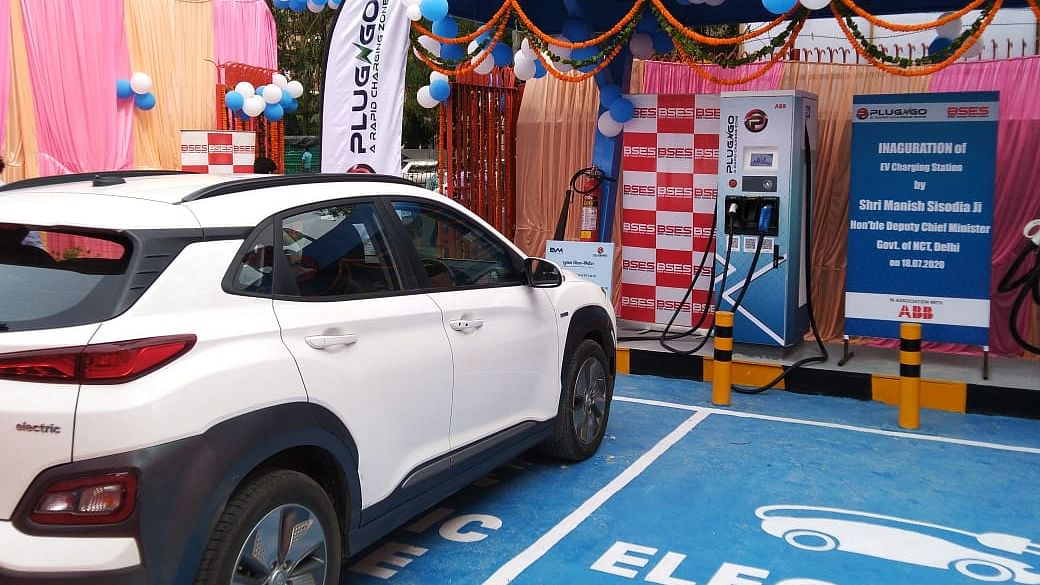 ABB India unveils first public DC fast charger for New Delhi with BYPL and EV Motors