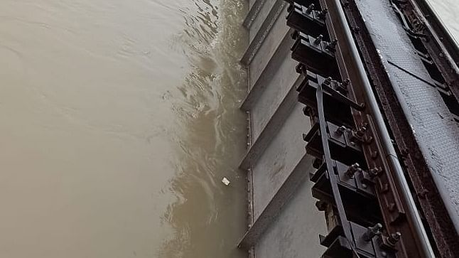 Bihar floods halt Samastipur-Darbhanga rail operations