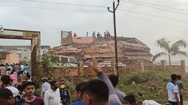 Maharashtra: 25 rescued, many feared trapped after building collapses in Raigad