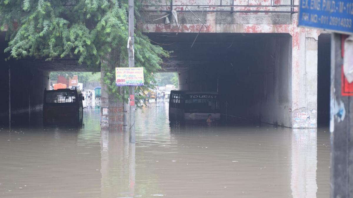 Water-logging, traffic disruption after heavy showers in Delhi