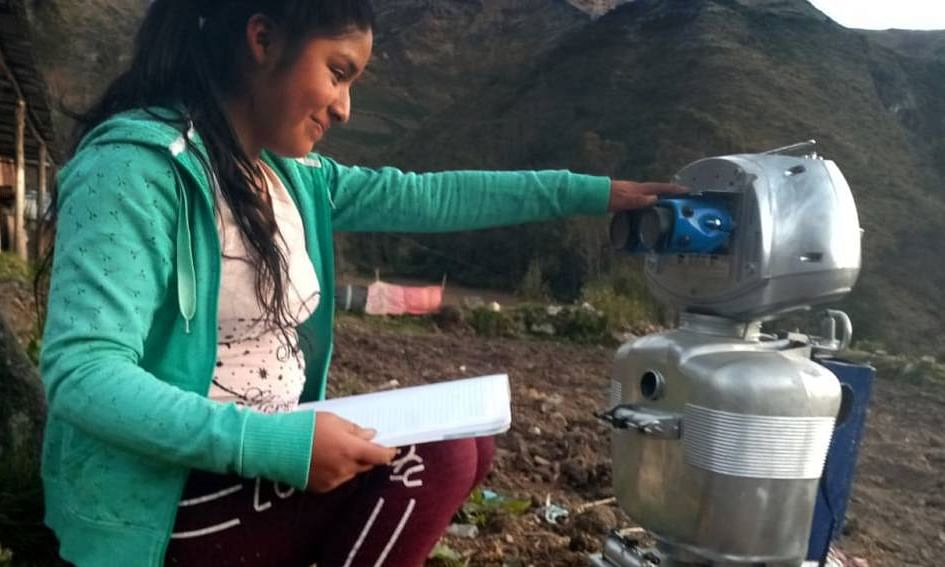 Students can interact with Kipi the robot in Quechua, a native language in the Peruvian Andes, or Spanish.