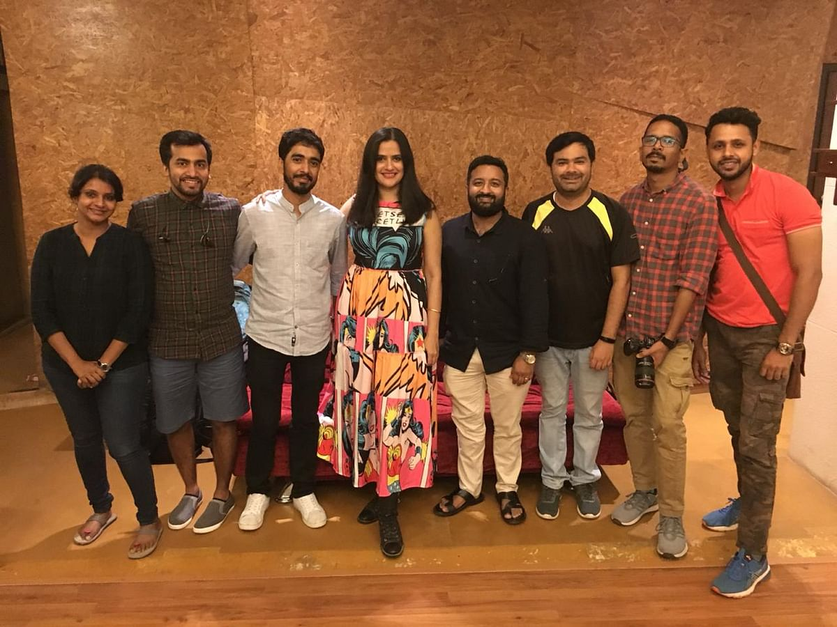"""Singer Sona Mohapatra with lyricist and director Ajay Govind and other members of the crew of music video 'Raat Ke Musaafir""""."""