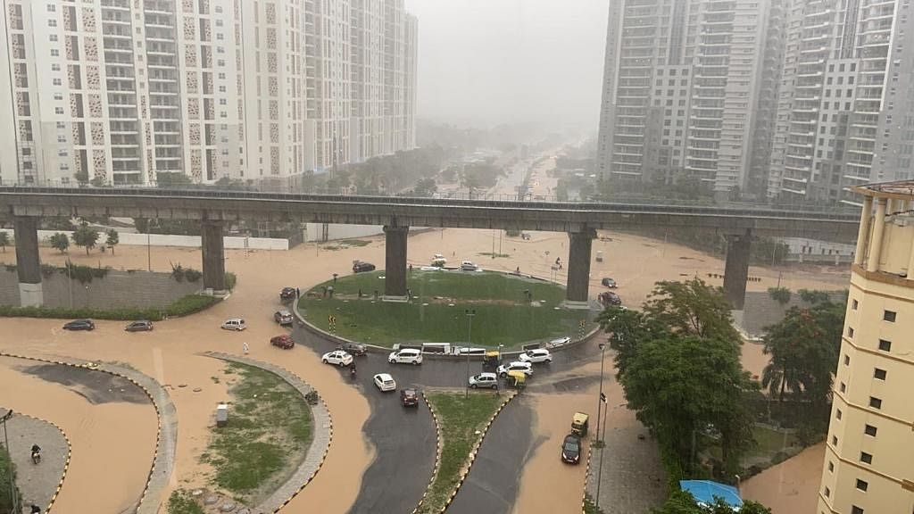Heavy rain causes waterlogging in key stretches of Gurugram
