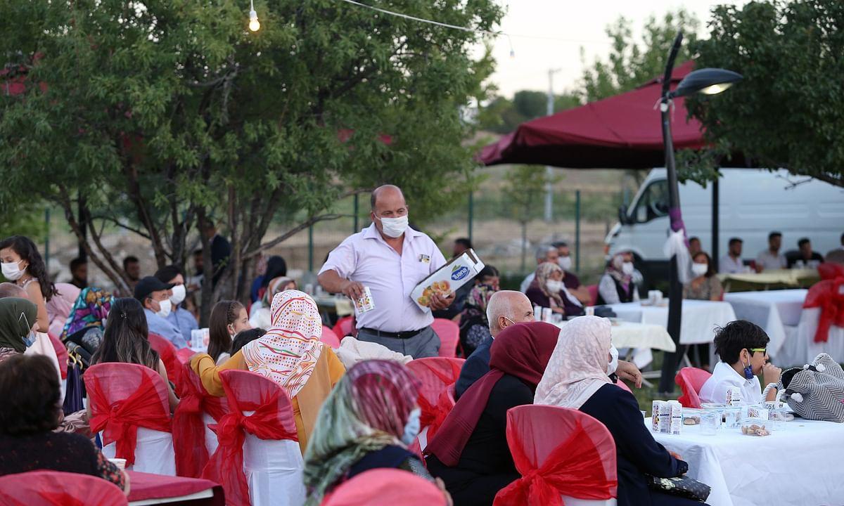 People wearing masks attending a wedding in Ankara, Turkey, on August 23, 2020.