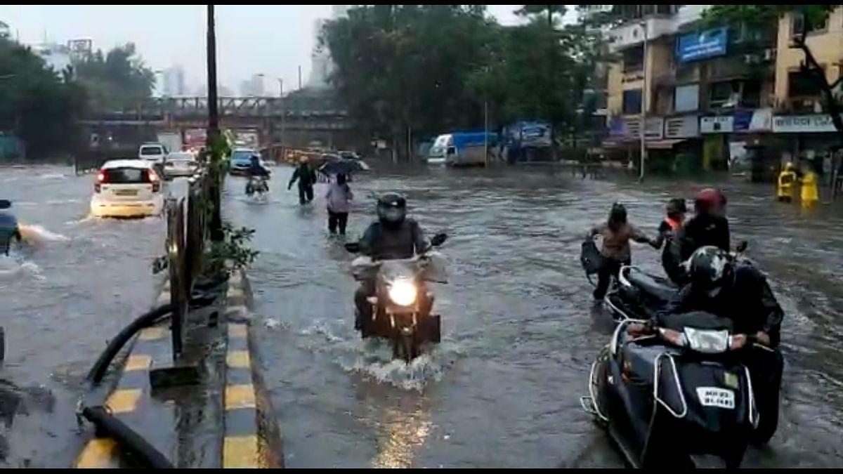 Rains pound Mumbai, MMR for second straight day