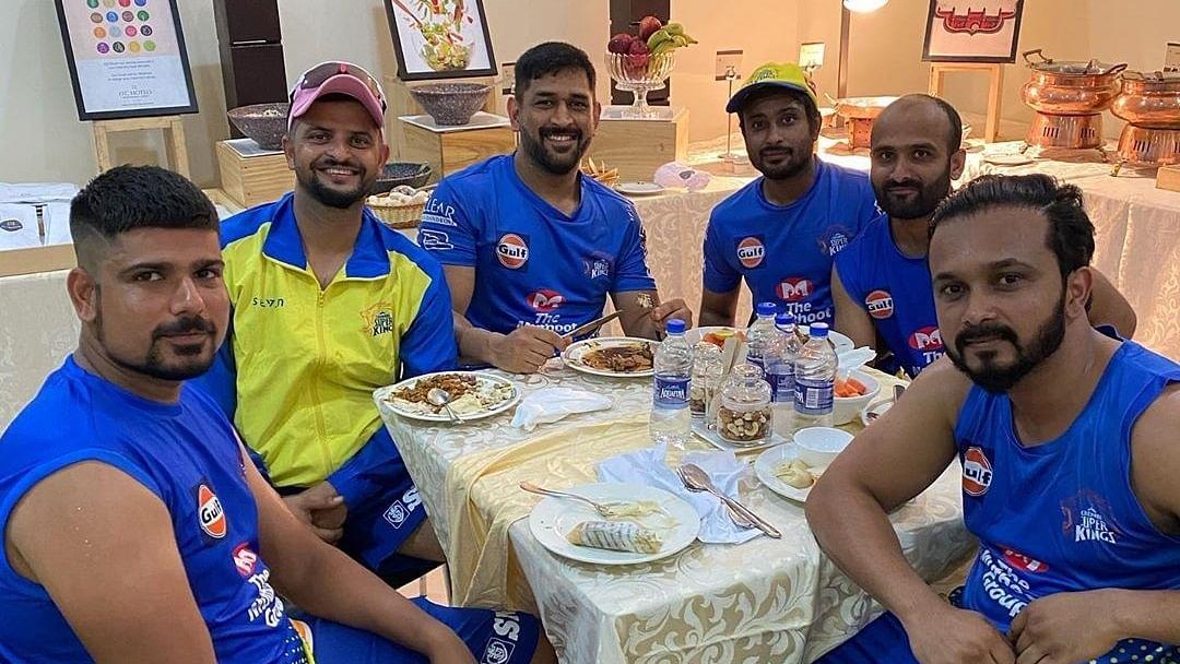 Dhoni announces his retirement, Suresh Raina follows his skipper