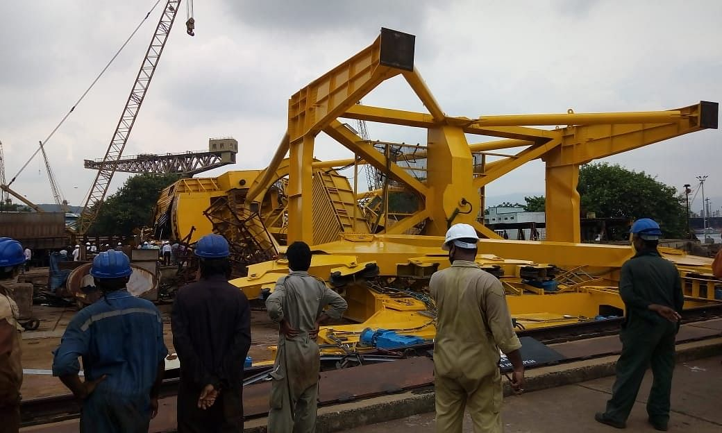 10 killed as crane collapses at Hindustan Shipyard in Vizag