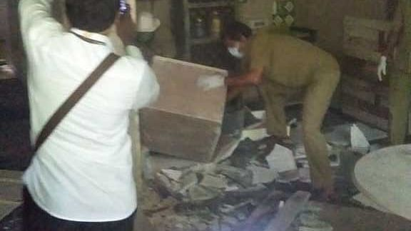 BMC bulldozes Kangana Ranaut's 'illegal office' in Mumbai