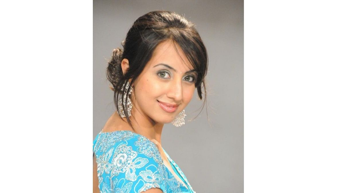 Another Kannada actress in police net, taken to HQ for questioning