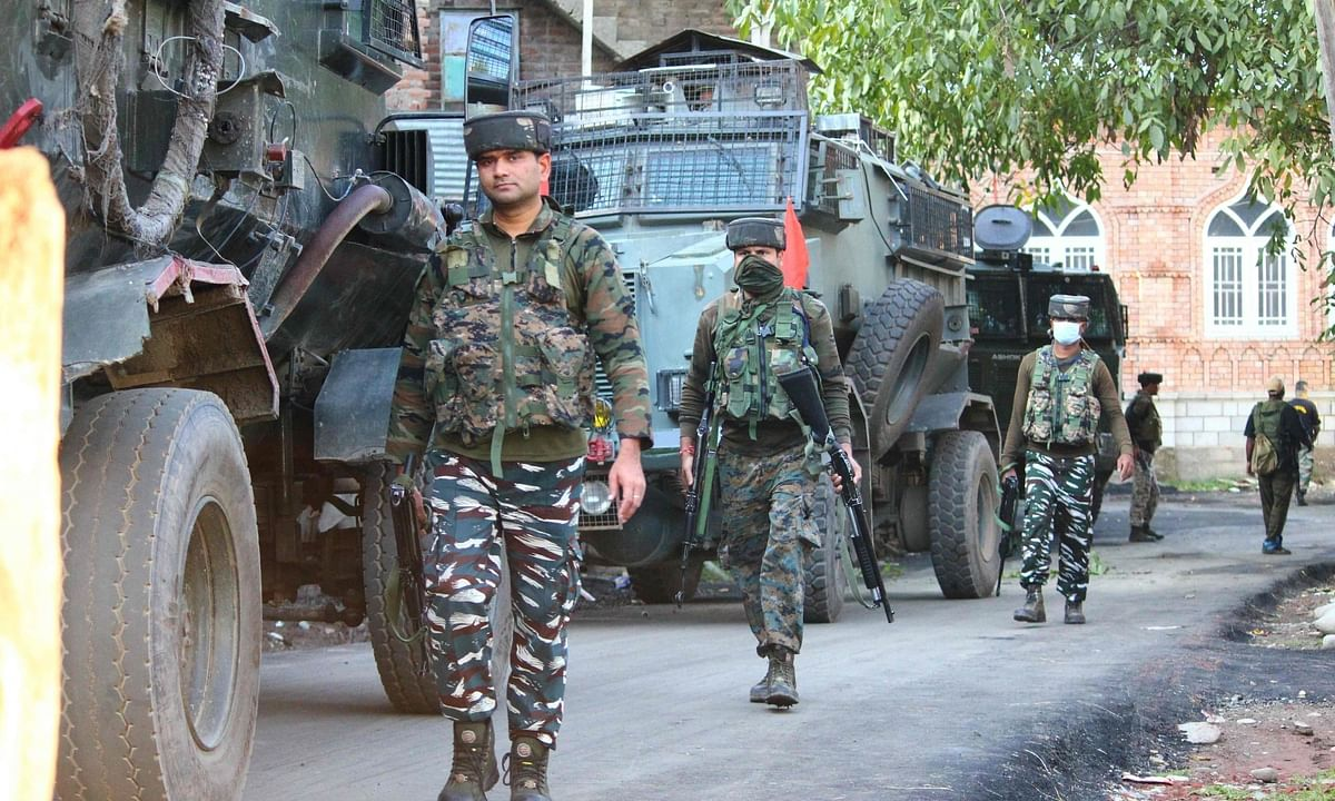 File photo of Army personnel conducting cordon and search operations after an encounter with terrorists in Jammu and Kashmir.