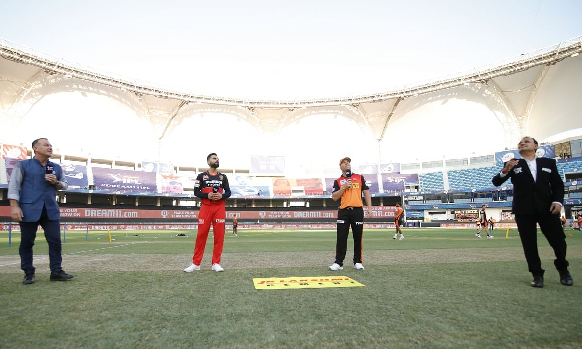 Royal Challengers Bangalore skipper Virat Kohli and Sunrisers Hyderabad captain David Warner at the toss before their match in the Indian Premier League in Dubai on September 21, 2020