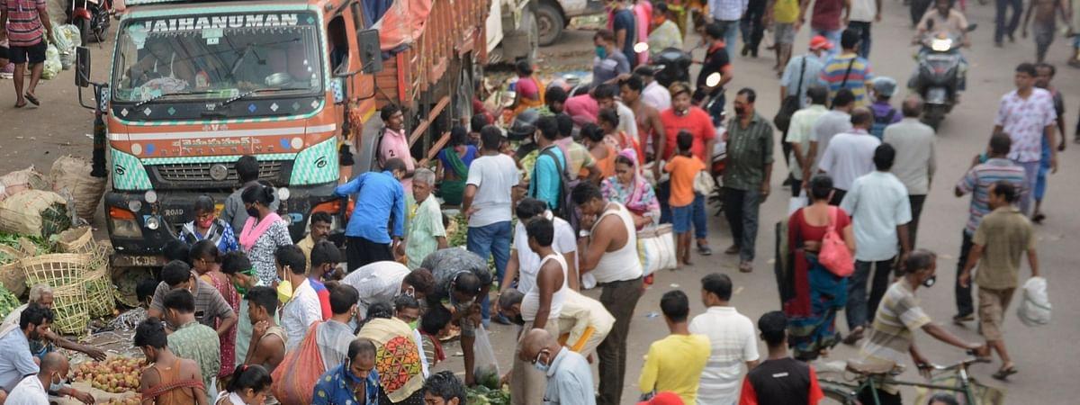 Crowds at a market in Kolkata amid COVID-19 pandemic, on September 10, 2020.