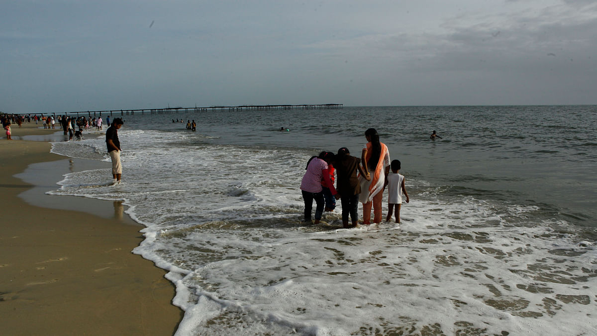 Selfie tragedy: Body of toddler swept away on Alappuzha beach recovered