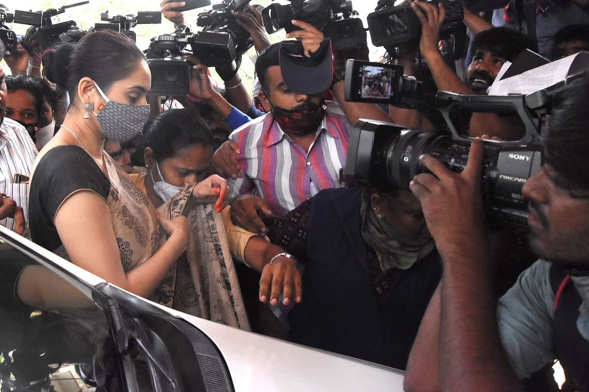 Kannada actress Ragini Dwivedi arriving to appear before the Central Crime Branch (CCB) in connection with a probe into the alleged drug links in the Kannada film industry, in Bengaluru on September 4, 2020.