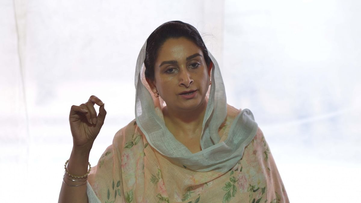 Harsimrat Kaur Badal resigns from Union Cabinet opposing farm Bills
