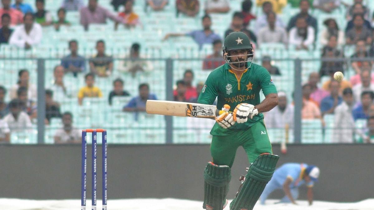Hafeez shines as Pakistan seal narrow win to level series against England