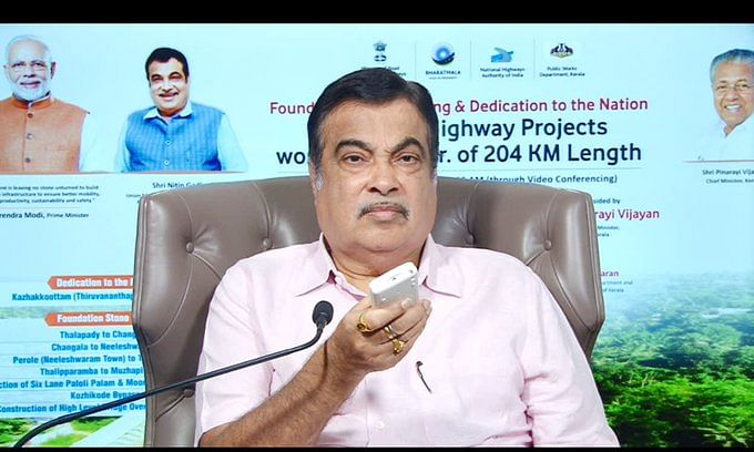Union Minister for Road Transport and Highways Nitin Gadkari inaugurating and laying the foundation stone for eight highway projects in Kerala, on October 13, 2020.