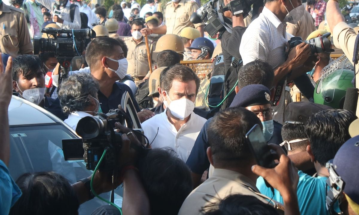 Congress leader Rahul Gandhi on the DND Flyway in Delhi on his way to Hathras, along with his sister Priyanka Gandhi Vadra and three other party leaders, to meet the family of the alleged gang rape victim, on October 3, 2020.