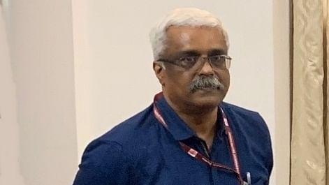 Don't arrest IAS officer Sivasankar till Oct 23: Kerala HC