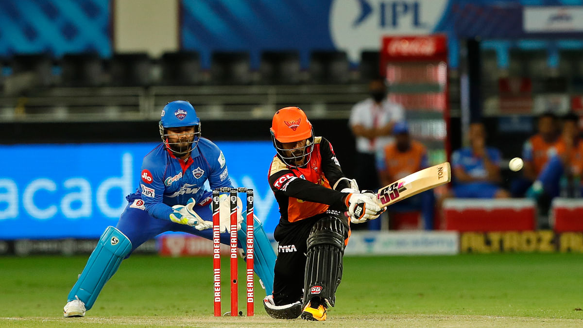 SRH hammer DC by 88 runs, stay alive in race for playoffs