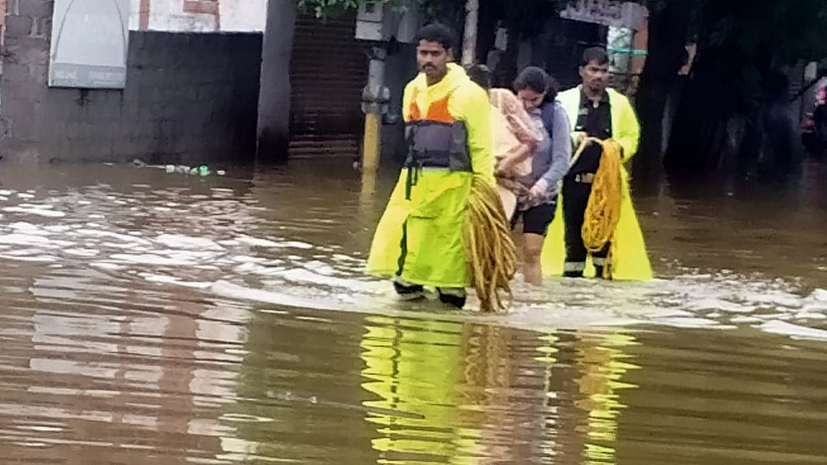 13 killed as heavy rains batter Hyderabad, areas submerged