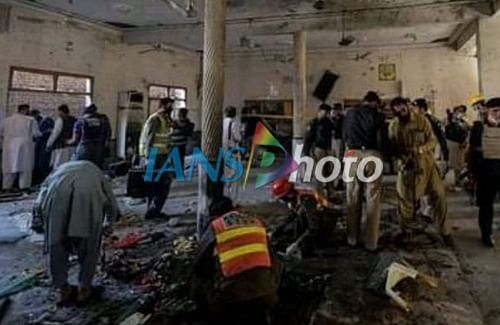 8 dead, 125 hurt in Peshawar madrasa blast