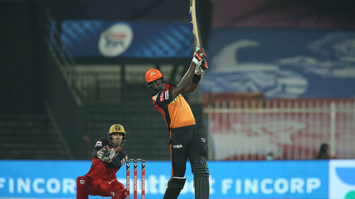 Holder takes stumbling SRH to win, closer to qualification