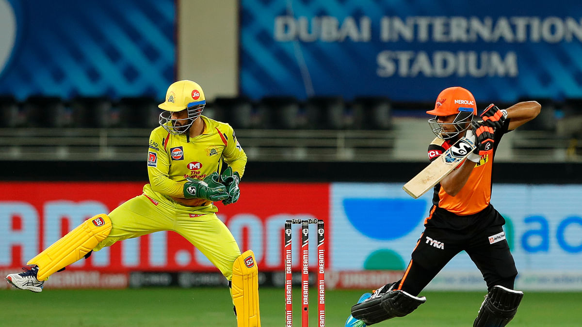 Dhoni heroics not enough as CSK suffer 7-run loss against SRH