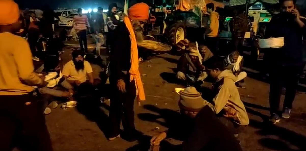 Adamant protesting farmers resume journey towards Delhi