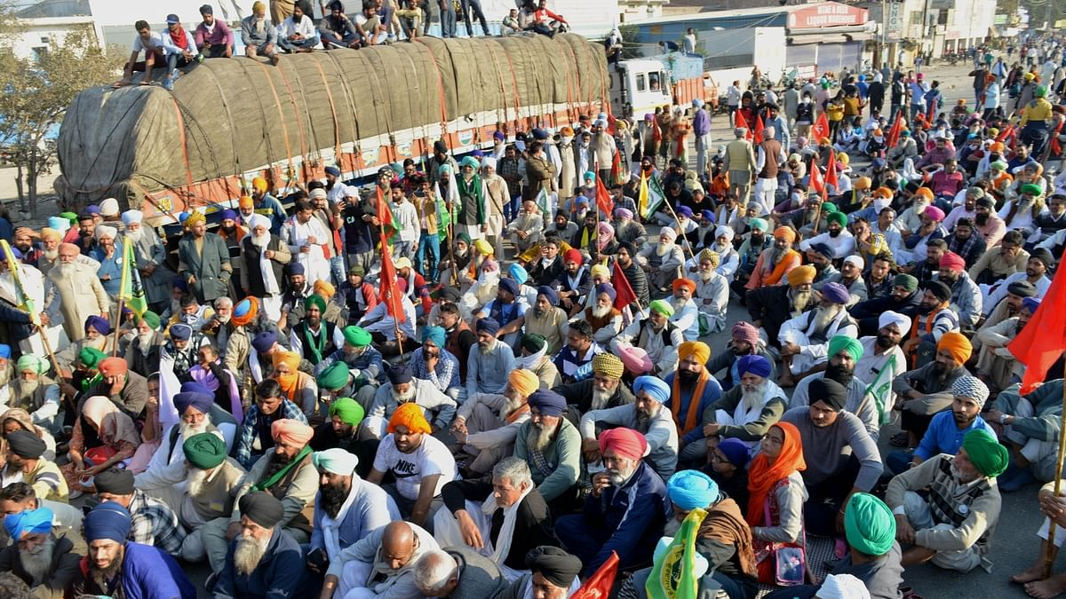 Farmers refuse to leave Sindhu border as agitation 'could weaken'