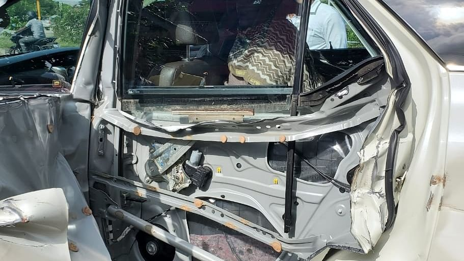 Khushbu Sundar escapes unhurt in road accident