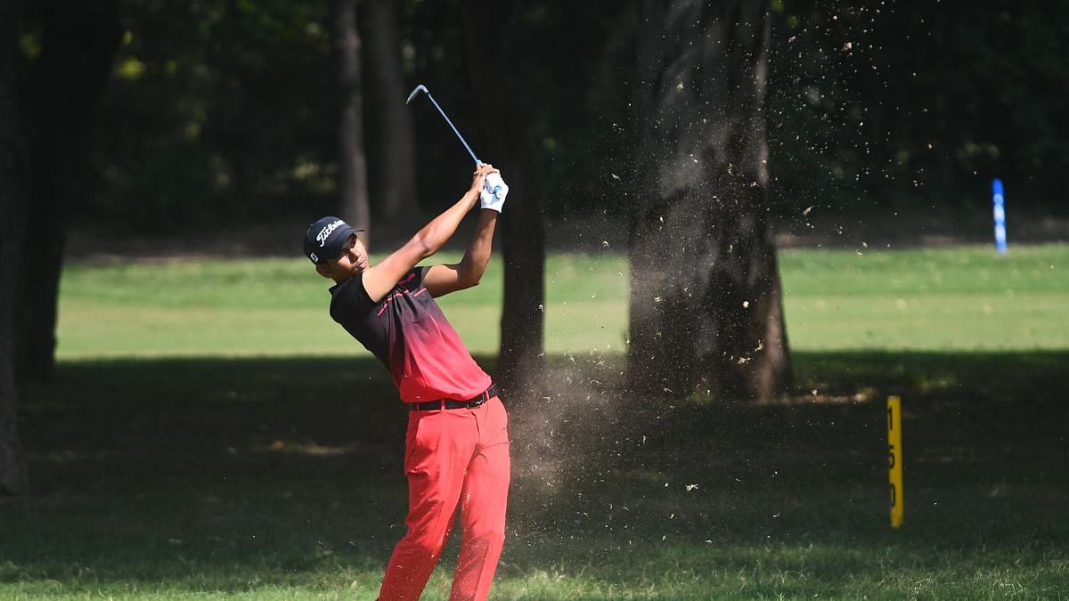 Golf: Akshay Sharma cards 67  in round three to stay put in lead