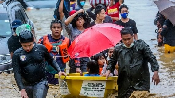 Typhoon Vamco triggers heavy flooding in Manila, provinces